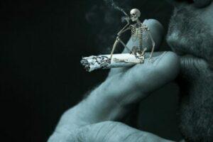 skelett på cigarett