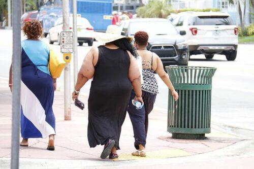 överviktiga kvinnor