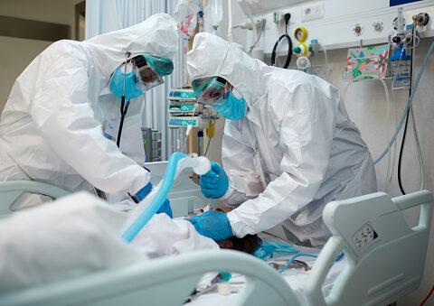 Vaccinerad covidsjuk patient