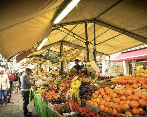 Frukt- och grönsaksmarknad